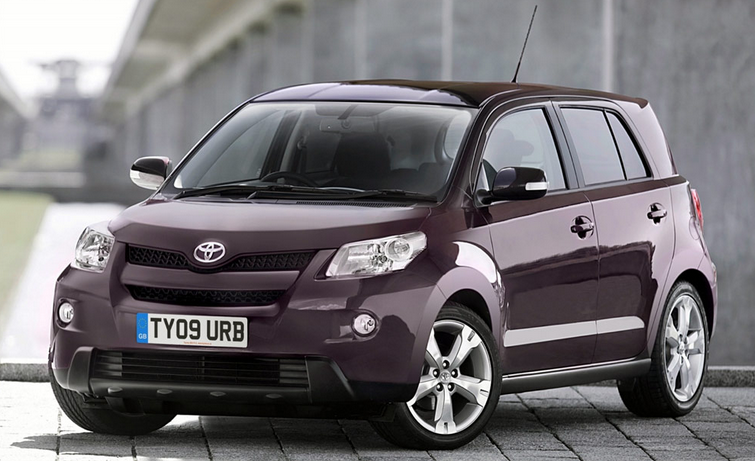 2015-Toyota-Urban-Cruiser